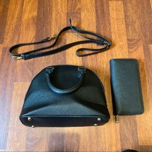 Handbags - Black Handbag with wallet